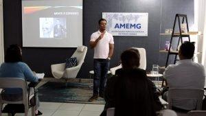 neurologista Leandro Santos Franco apresenta resultados de pesquisas sobre o cérebro na Amemg