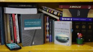 cemitério de livros.00_02_23_19.Quadro004 3